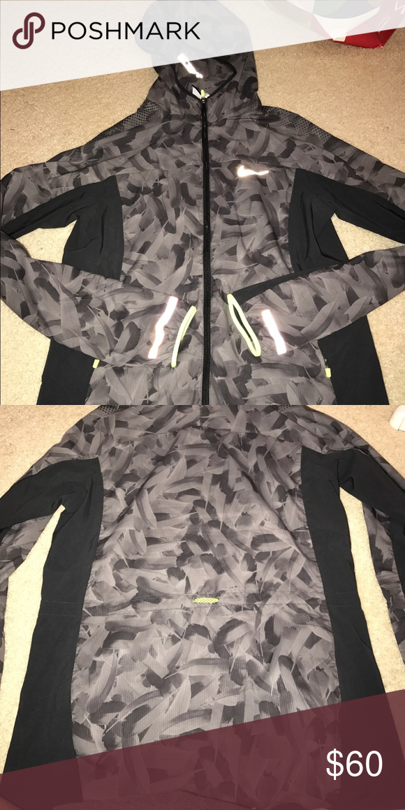 nike 3m running jacket no flaws super lightweight cowel neck style Nike Jackets & Coats