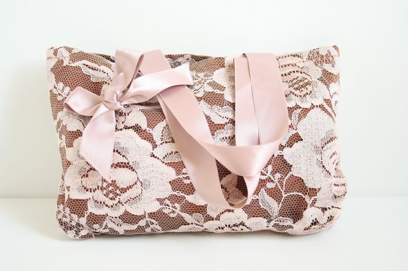 Pink lace handbag by Instincts via DaWanda