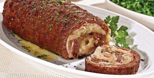 Rocambole econômico de carne moída com purê de batata