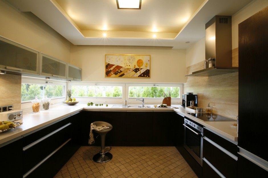Okno Nad Kuchennym Blatem Lepsze Niz Fototapeta Home Decor Decor Kitchen