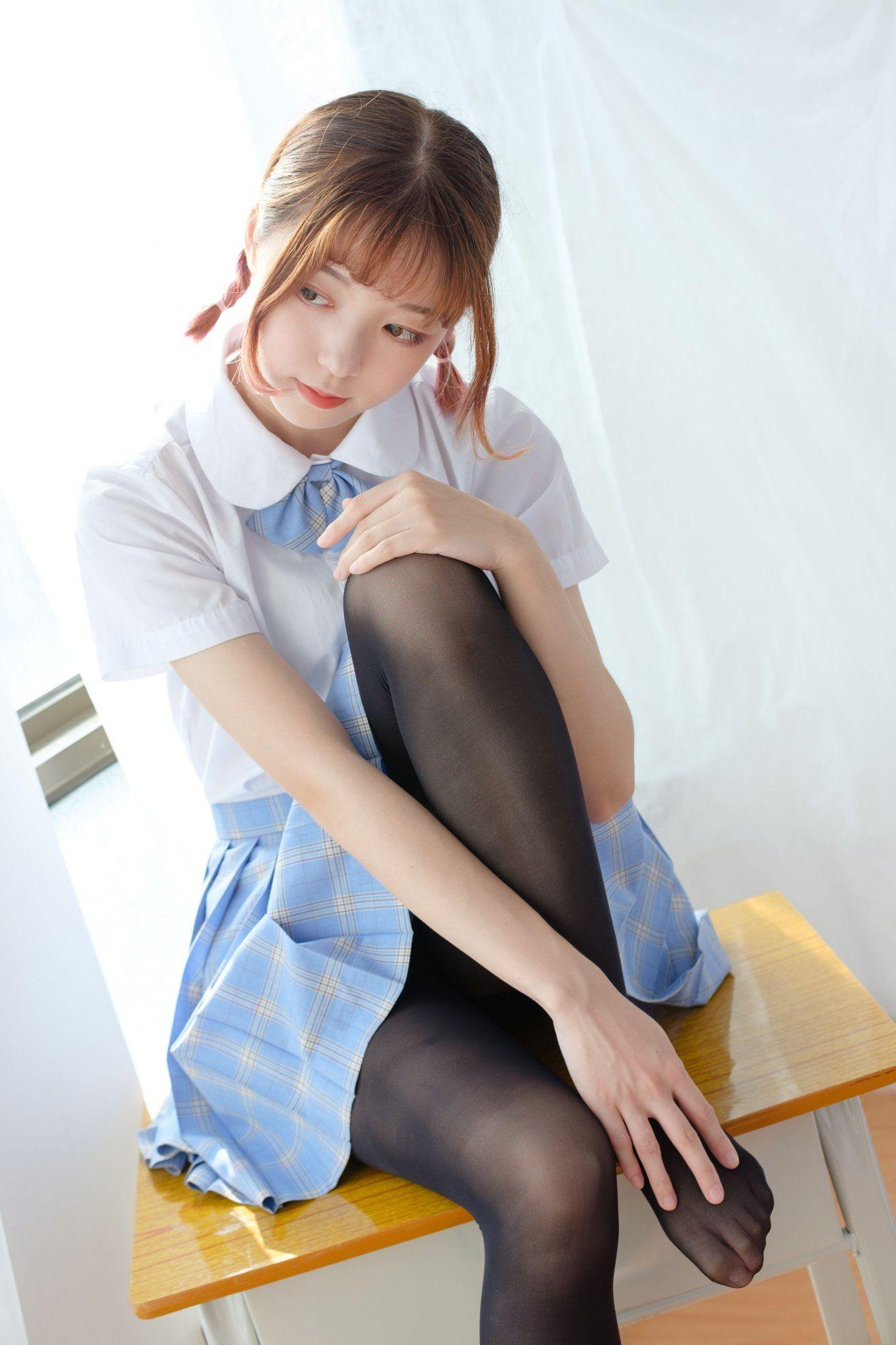 穿黑絲襪的美少女💓》#制服美少女 #水手服#Cute #Girl #Pretty #Girls #漂亮 #可愛 #青春活力
