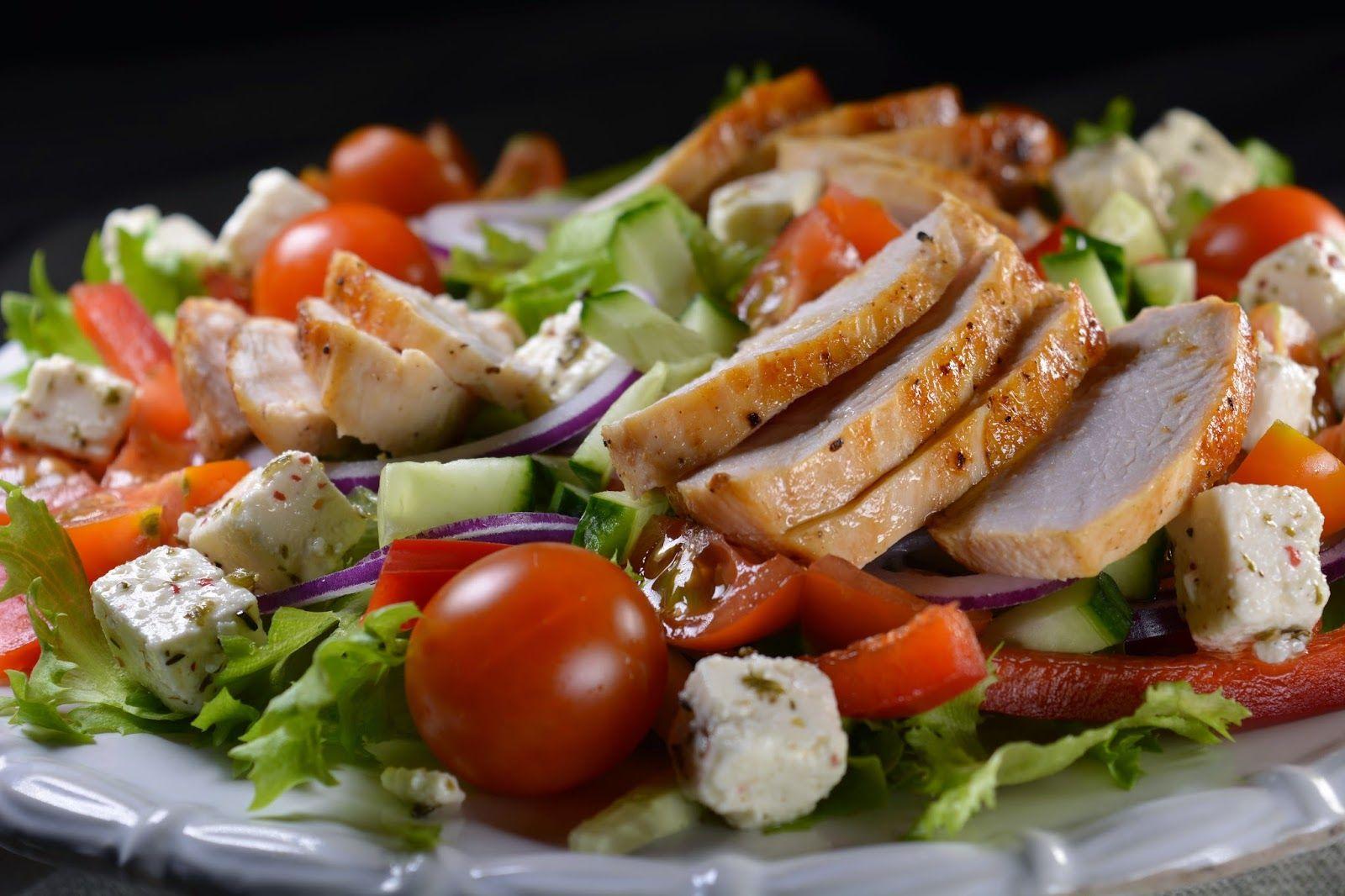 Tuulikummun keittiössä: Suomen suosituin salaatti