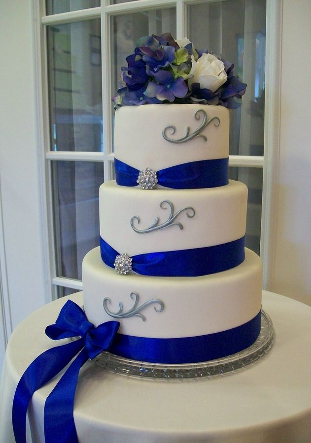 royal blue and silver wedding centerpieces%0A Royal Blue Wedding Cakes Small Styles   On Home Gallery Design Ideas