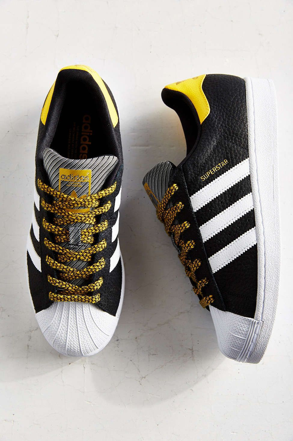 adidas originals varsity trainers