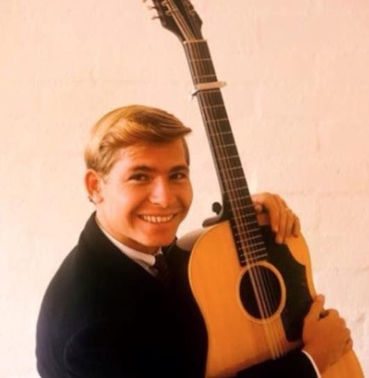 18 String guitars are rarely used in USA. SHOWN: Gibson B4512 String model CONVERTED into an 18 String, which was loaned to John Denver by Randy Sparks during the 1960's. RESEARCH #DdO) - https://www.pinterest.com/DianaDeeOsborne/instruments-for-joy/ - Gibson now makes model for $2,999. Following Denver's 1997 death: Guitar is still in Randy Sparks' possession. He founded New Christy Minstrels in 1961- they've recorded over 20 albums. He wrote the John Denver hit TODAY. Pinned via…