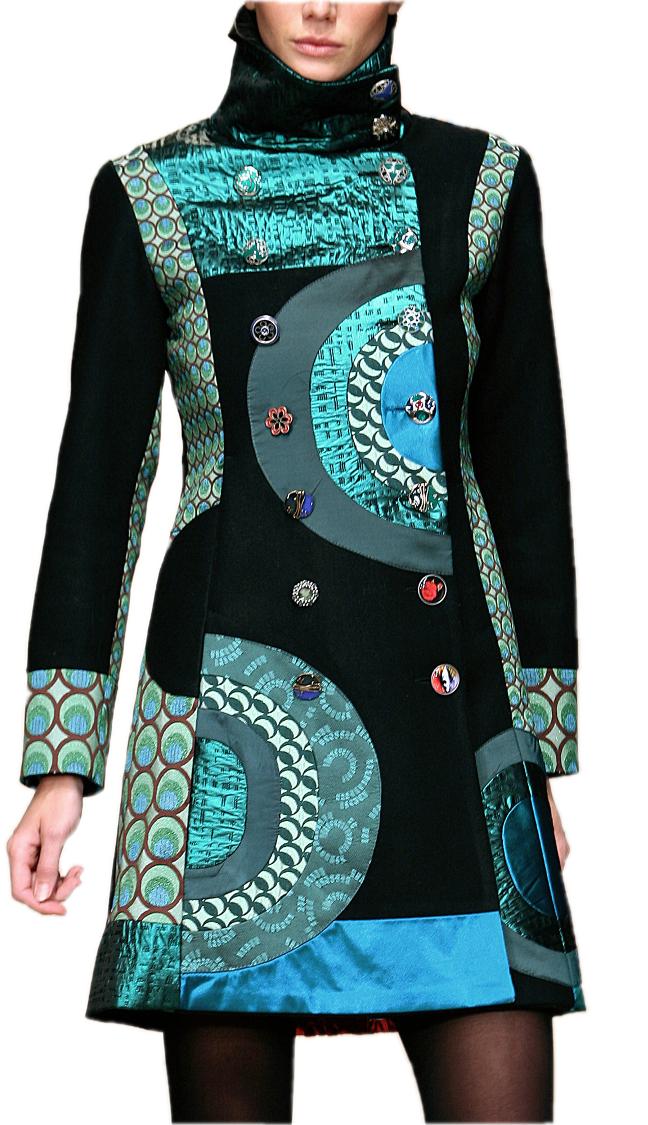 In this coat, I´m a 38. How do I know ? Bodi.me helps me shop online !