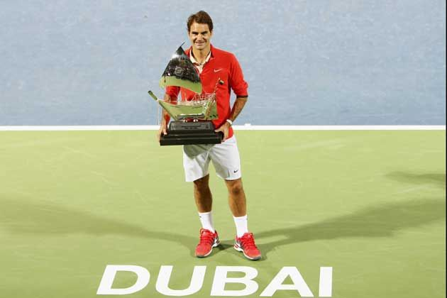 Roger Federer beat Tomas Berdych to win the Dubai Duty Free Tennis Championships on March 1, 2014. (Reuters)