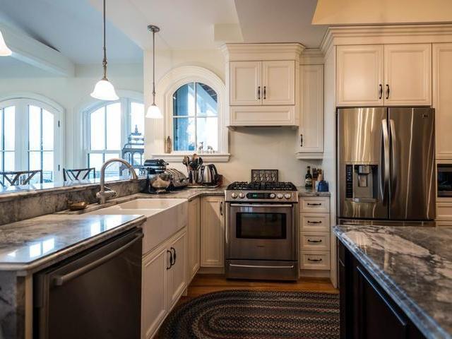6835 CONCESSION 1 , PUSLINCH, Ontario | Kitchen cabinets ...