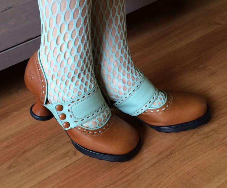 Raspberry Heels: Fluevog   Minis   Zaza [Tan+Teal]