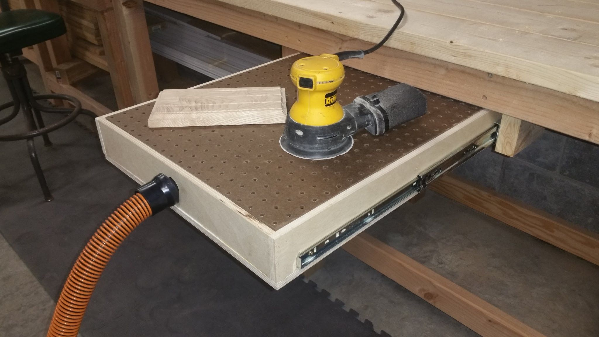 how to build a down draft sanding table wv diy guy. Black Bedroom Furniture Sets. Home Design Ideas