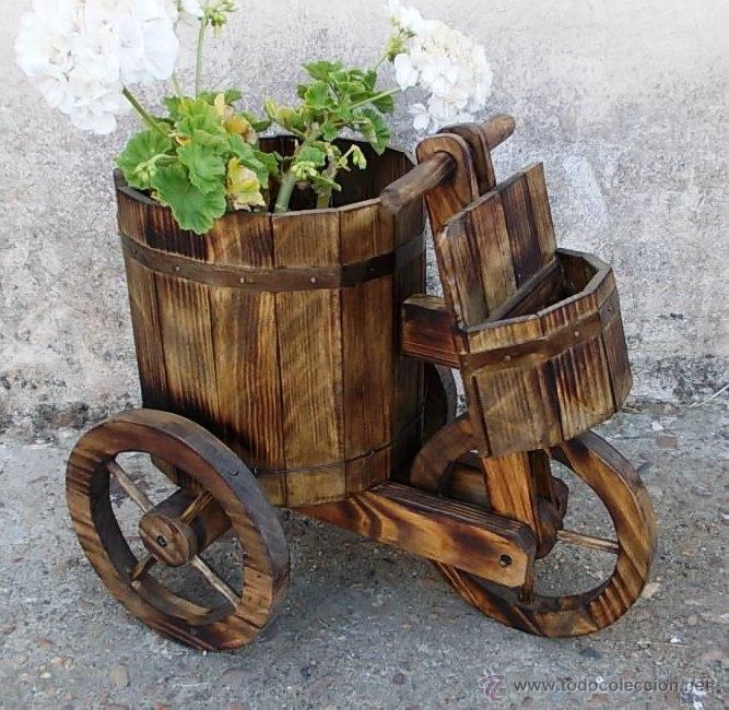 vintage triciclo o carretilla de madera para el jardin 60