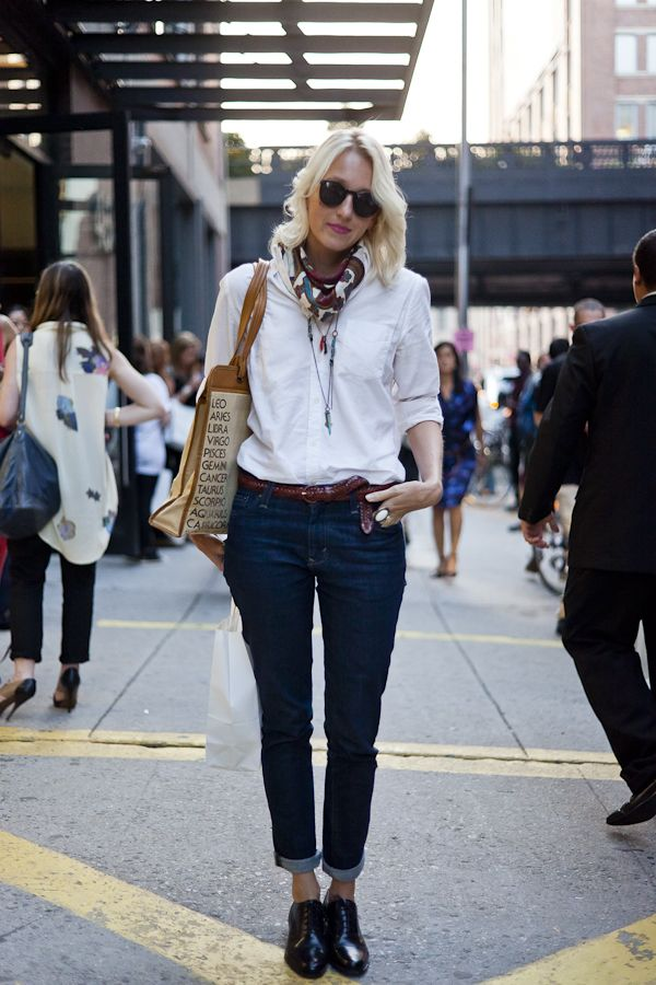 9c3ebedc9 denim and a crisp white shirt   styling   Oxford boots, Women oxford ...