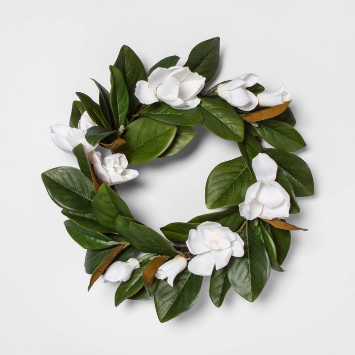 "Photo of 18 ""Artificial Magnolia Wreath Green / White Threshold"