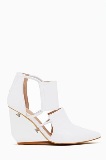 Devandra Cutout Wedge in White
