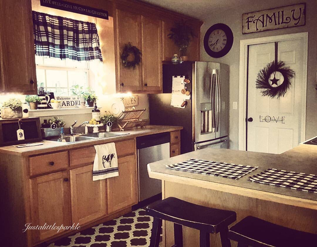 Farmhouse Style Realistic Kitchen Oak Cabinets Country