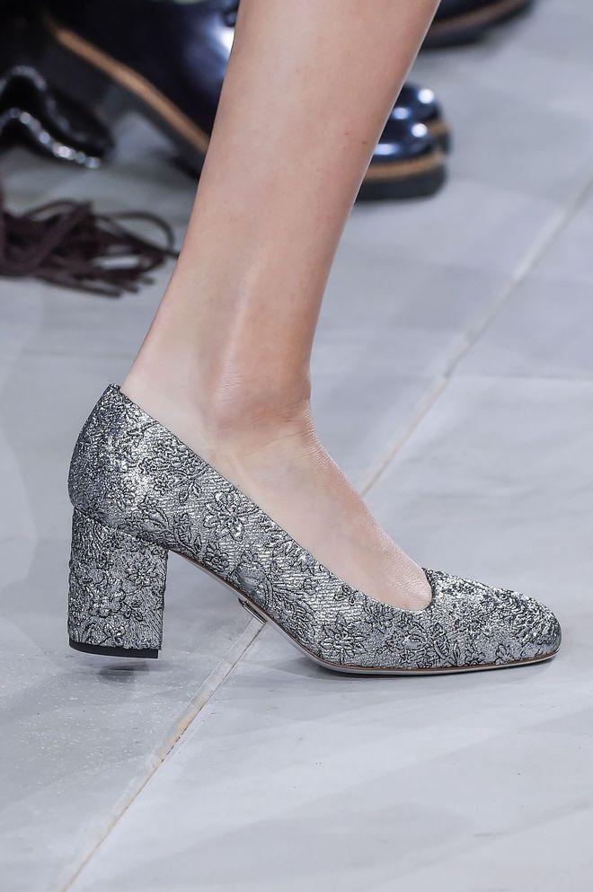les tendances chaussures des d fil s automne hiver 2016 2017 chaussures automne hiver shoes. Black Bedroom Furniture Sets. Home Design Ideas