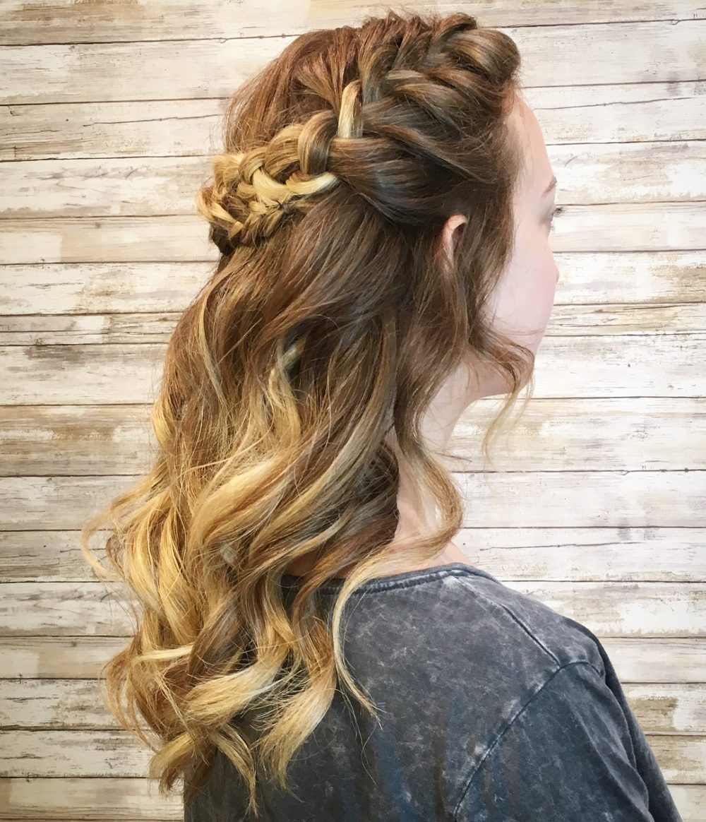 11+ Updos For Medium Length Hair To Inspire Your Prom Look