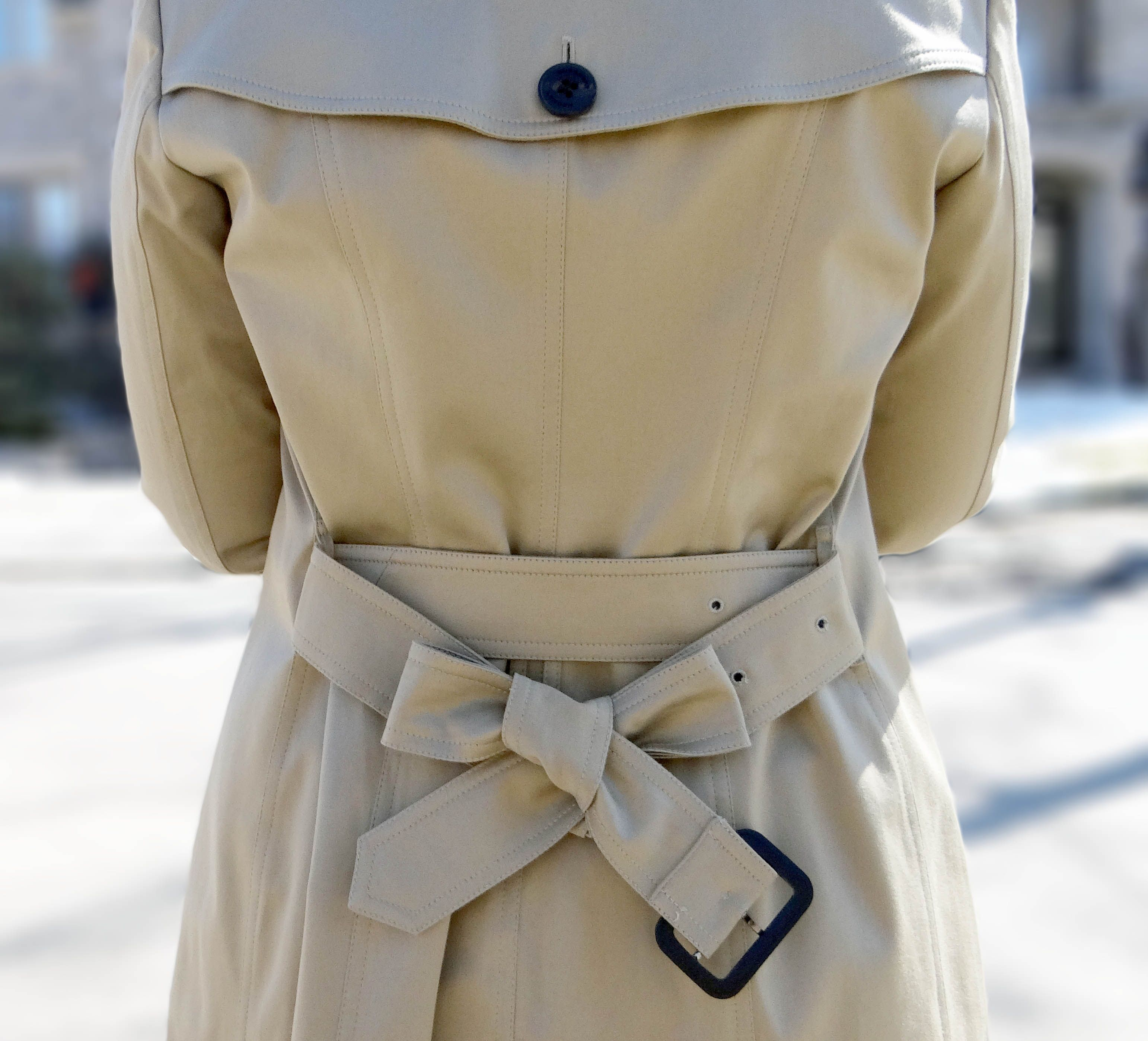 How-To-Tie-A-Burberry-Trench-Coat-Bow
