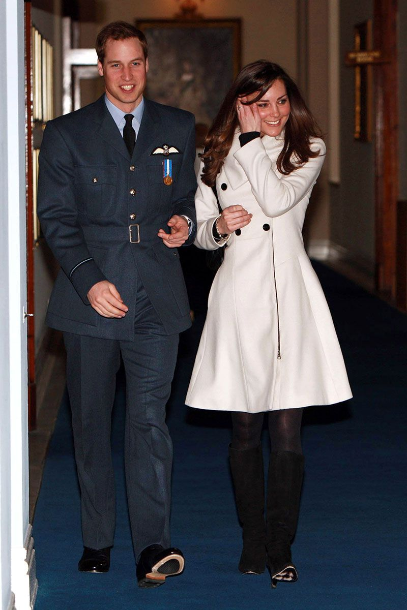 These Photos Of Kate Middleton Before She Became A Duchess Are So Great Kate Middleton Reiss Coat Prince William And Kate
