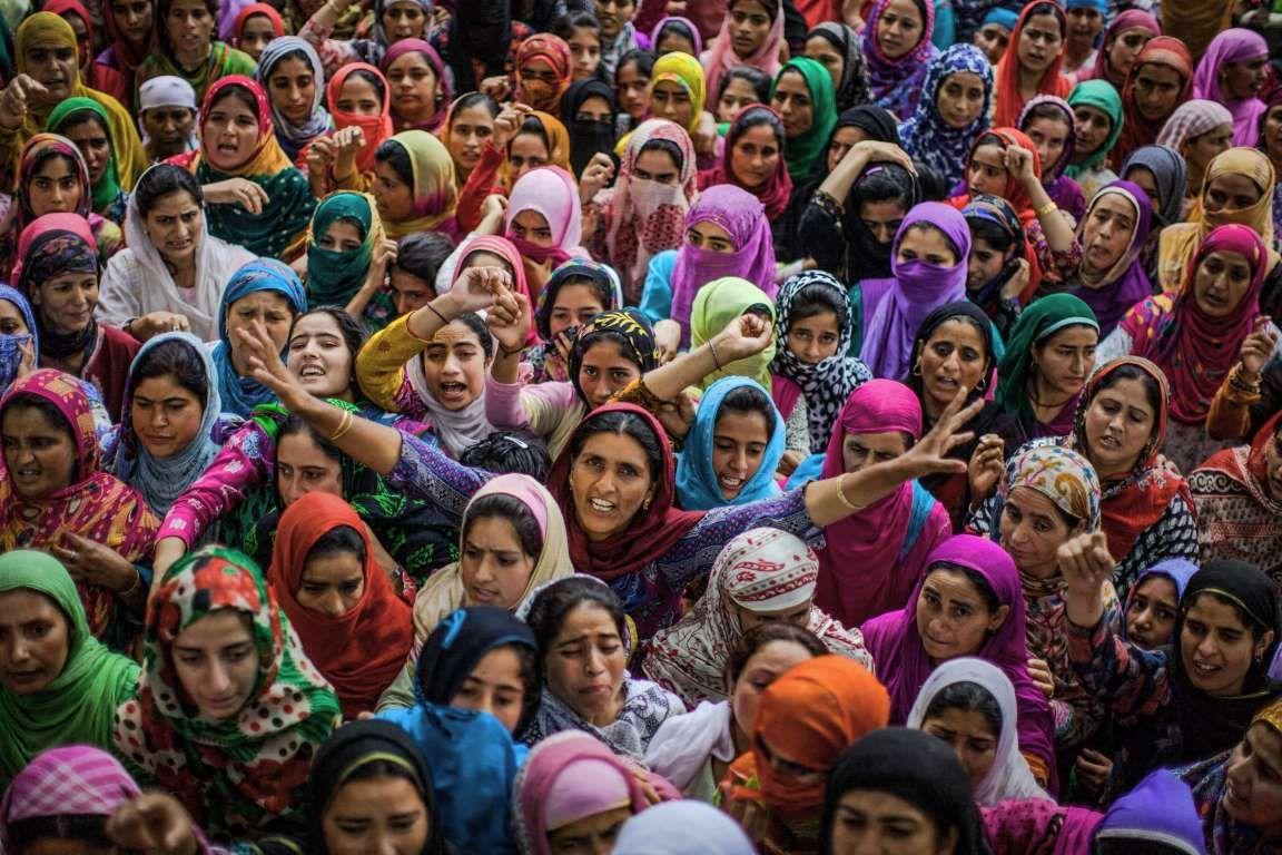 Kashmiri Muslim women shout antiIndian and proKashmir