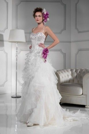 High Quality Organza Fabric Spaghetti Straps Neckline Wedding Dress