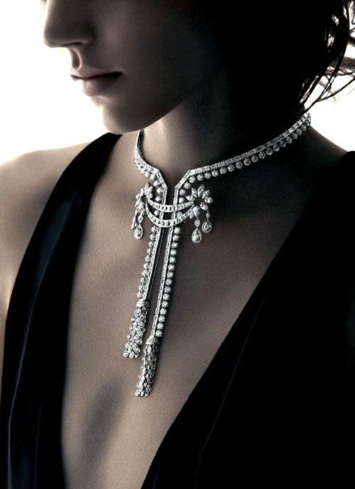 /diamonds necklace.