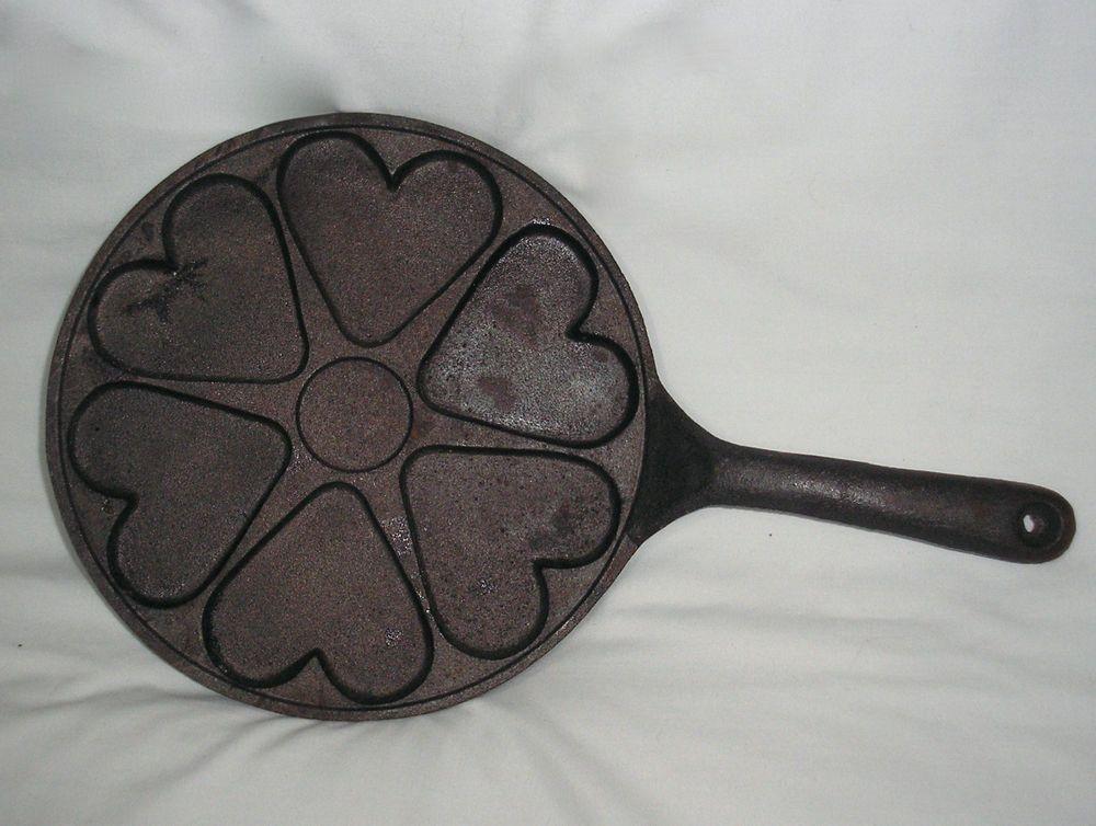 Vintage cast iron 6 heart pan cookie/shortbread/cornbread