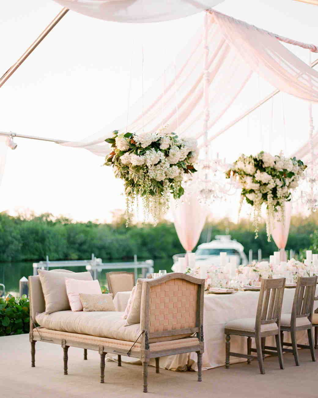 20 Unique Reception Seating Ideas That Will Surprise And