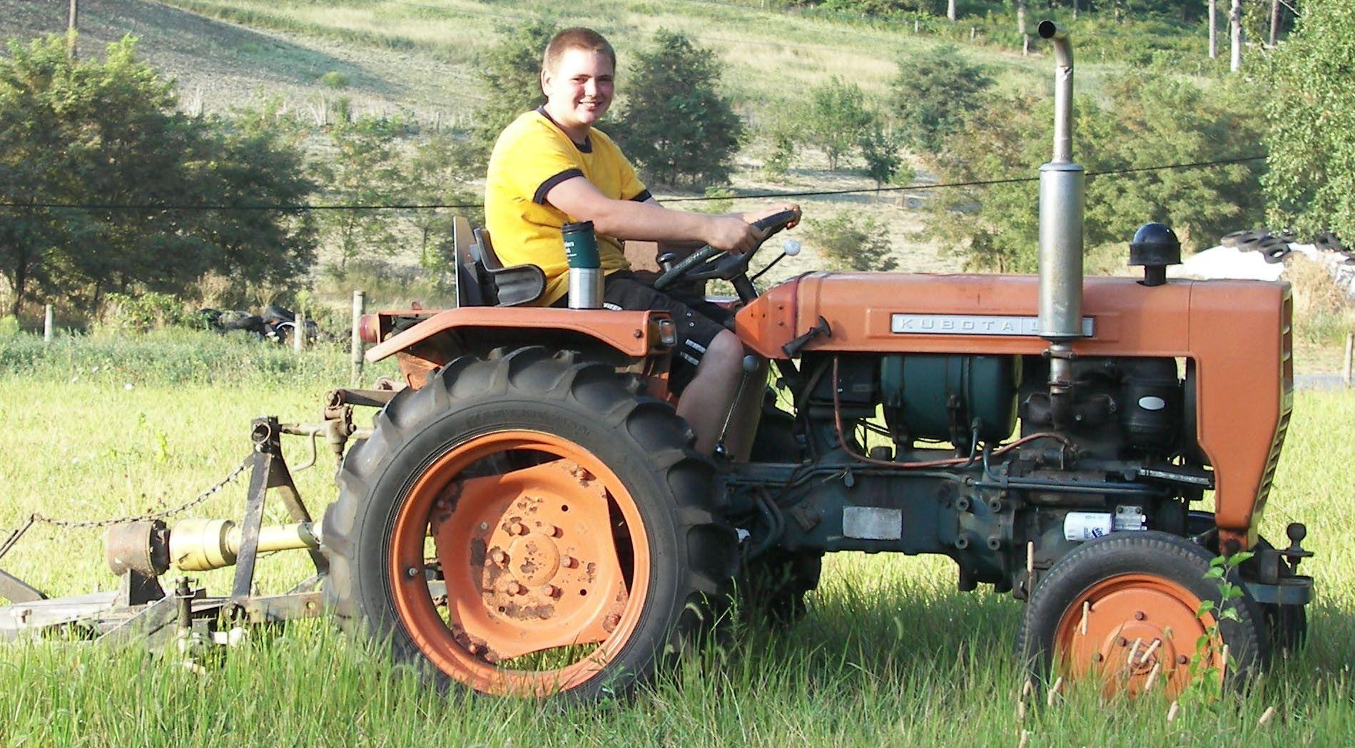 kubota l200 tractors i d like to have pinterest kubota and rh pinterest com Kubota L200 25th Anniversity kubota l3200 manual