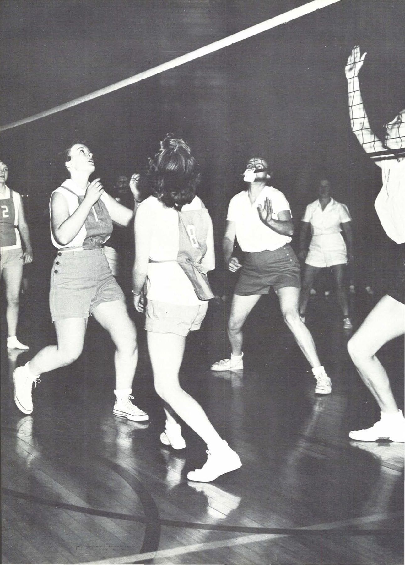 1956 57 Oregon Women S Volleyball From The 1957 Oregana University Of Oregon Yearbook Www Campusattic Com Women Volleyball University Of Oregon Women