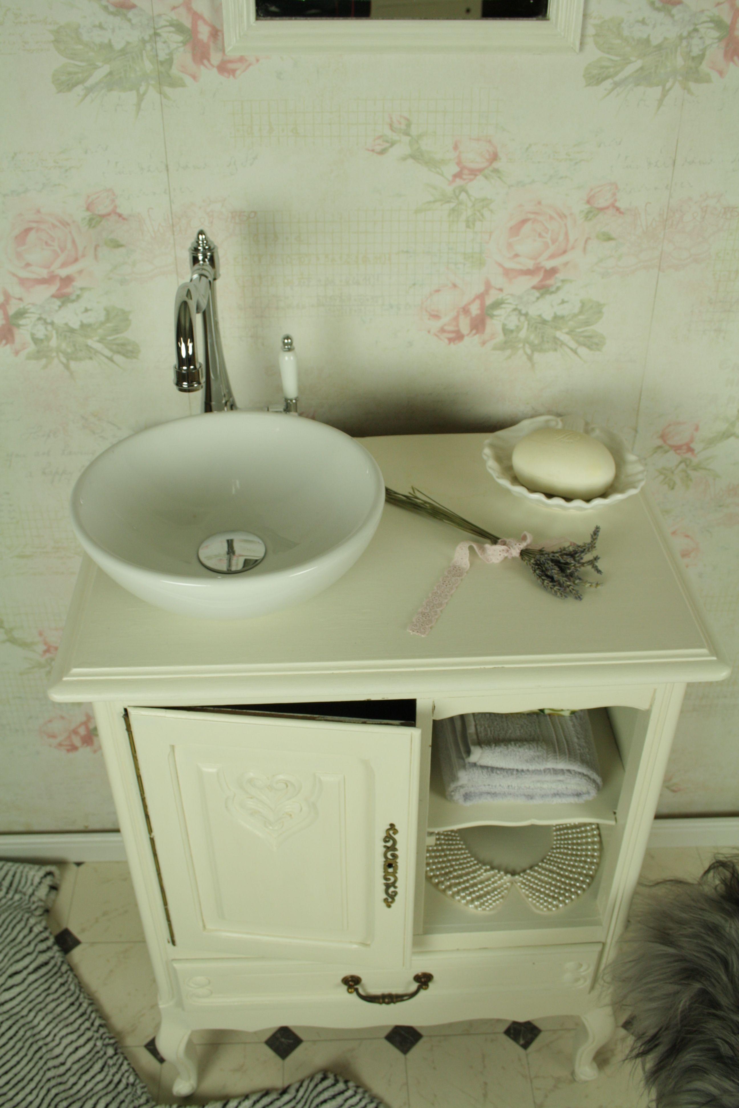 White Dreams Ist Ein Badmobel Landhaus Weiss Im Vintage Stil Und Verwandelt Jeden Noch So Kleinen Raum In Eine Oase Des Wohlfuhlens Der Susse Landhau