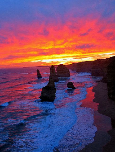 Sunset 12 Apostles Shipwreck Coast Great Ocean Road Victoria Sunset Ocean And Australia
