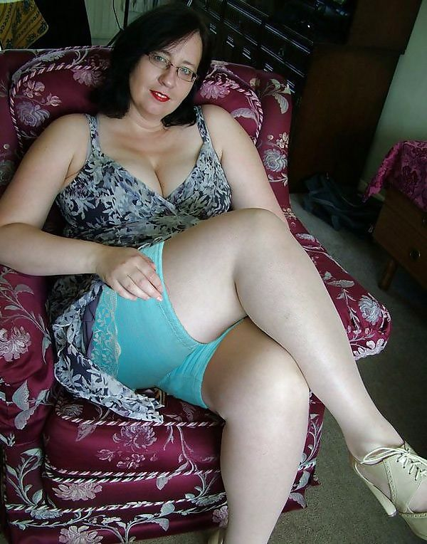 Mature girdle amateurs