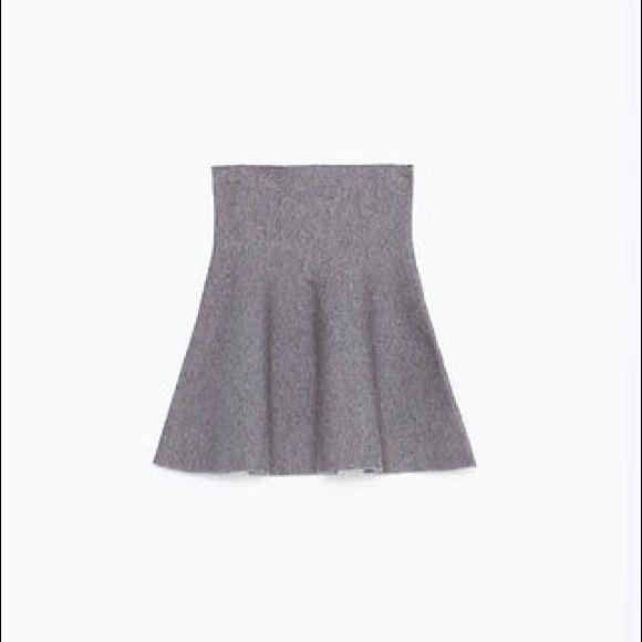 Zara grey mini skirt Zara mini skirt, size small. Never worn, with tags attached. Zara Skirts Mini