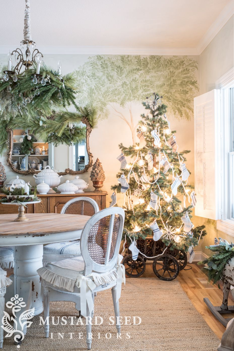 Christmas Dining Room 2018 images