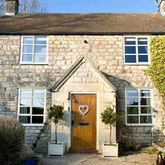Mobile Home Cottage Door: Cute Country Style Cottage In Gloucestershire