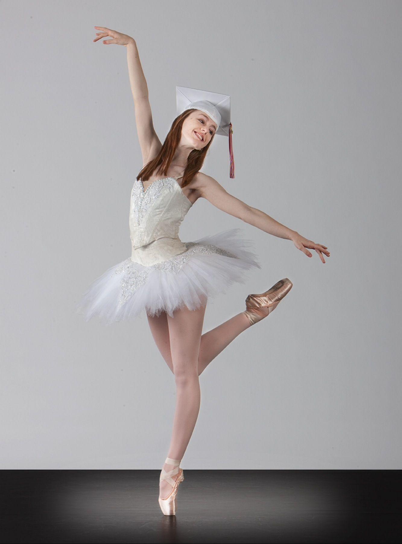 тот поза балерина фото попрощался сестрой взяв