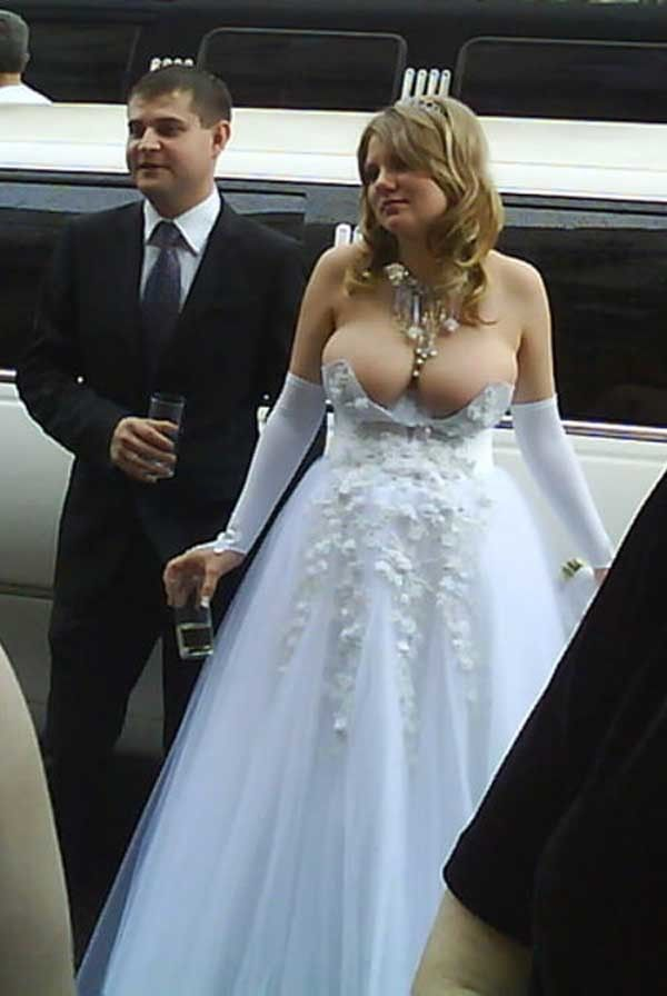 Bilderesultat for wtf wedding boob