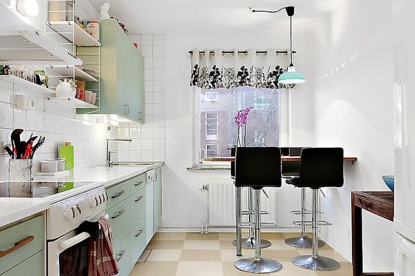 How you get a brand NEW kitchen without renovation! 5 cheap DIY tips you cant live without.  CLICK LINK TO READ BLOG POST!  #home #room #house #interior #homedecor #room #homeandgarden #howto #beautiful #goteborg #inredningstips #ikea #hytteliv #bolig #gothenburg #interiordesign #interiorinspiration #interiors #hytteliv #göteborg #inredning #ikea #ikeafurniture #kitchen #kittchendecor #diy #kök #köksinredning #kökslampa