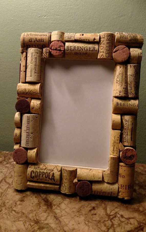 Hand made wine cork photo frame | Pinterest | Foto marcos, Eres ...