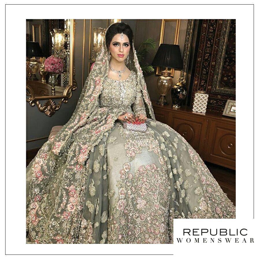 af276f4552 Beautiful RepublicBride ✨✨ #republicwomenswear #hautecouture Makeup  @uzmasbridalsalon ✨