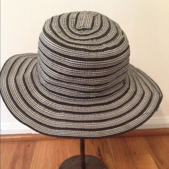 SALE$16 Flora Bella Hat Black and white hat. Good condition. Polyester. Flora Bella Accessories Hats