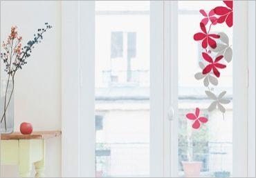 Stickers électrostatiques N°23 sans colle, pour fenêtres, vitres, et miroirs, visibles des 2 côtés, Clématites roses - 18 - Deco, Rideaux, Linge de maison, Art de la table 13€