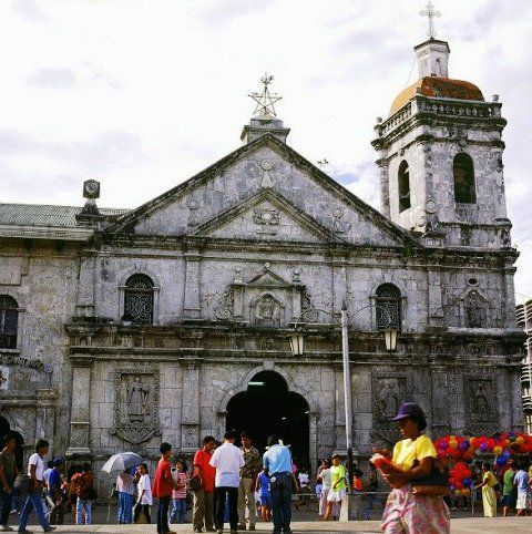 The Basilica Minore Del Santo Nino Uncovered Cush Travel Blog Santo Nino Basilica Philippine Architecture