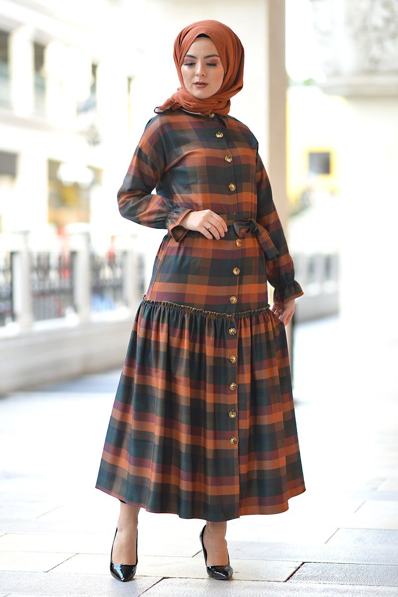 Dugmeli Ekose Tesettur Elbise Tsd1440 Elbise Ekose Elbise Modelleri