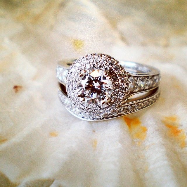 Www Bridalrings Com Beautiful And Stunning Wedding And Engagement Rings Located In The Heart Of Downtown L Bridal Ring Set Bridal Rings Bridal Ring Sets Round