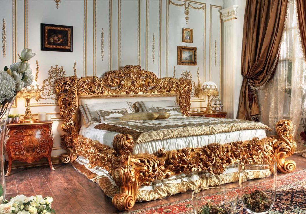 Italian Classic Bed in Gold Leaf Finish Luxury furniture