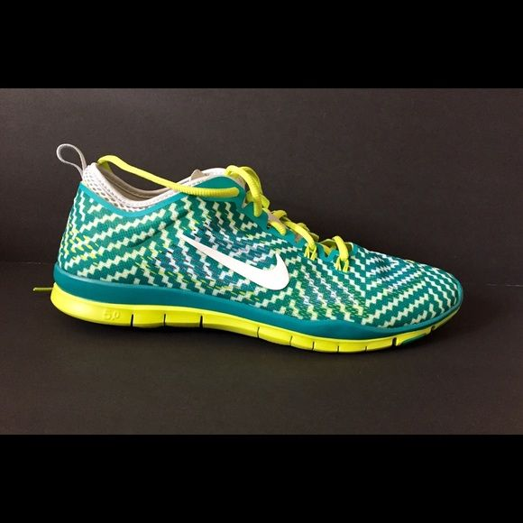 e738335c72bc Nike women s free 5.0 training shoes size 11 mesh rubber sole Removable  insole Herringbone sole provides multidirectional traction and supports ...