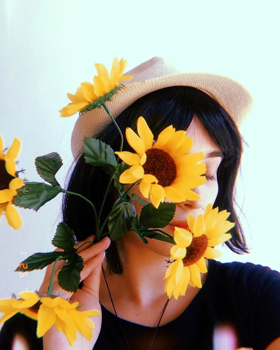 sunflower aesthetic photography vintage Witchy Bee