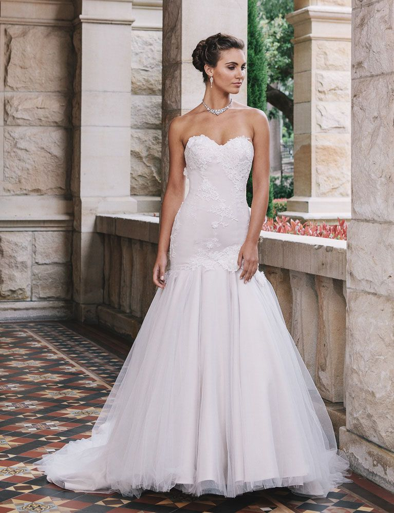 Ivory strapless lace and tulle vintage trumpet wedding